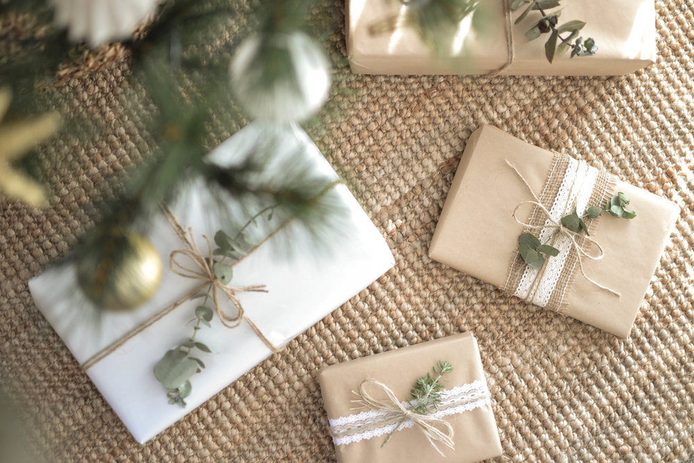 The Eve Christmas Wrapping