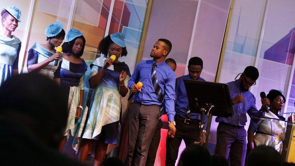 Stage Choir ministration 2.JPG