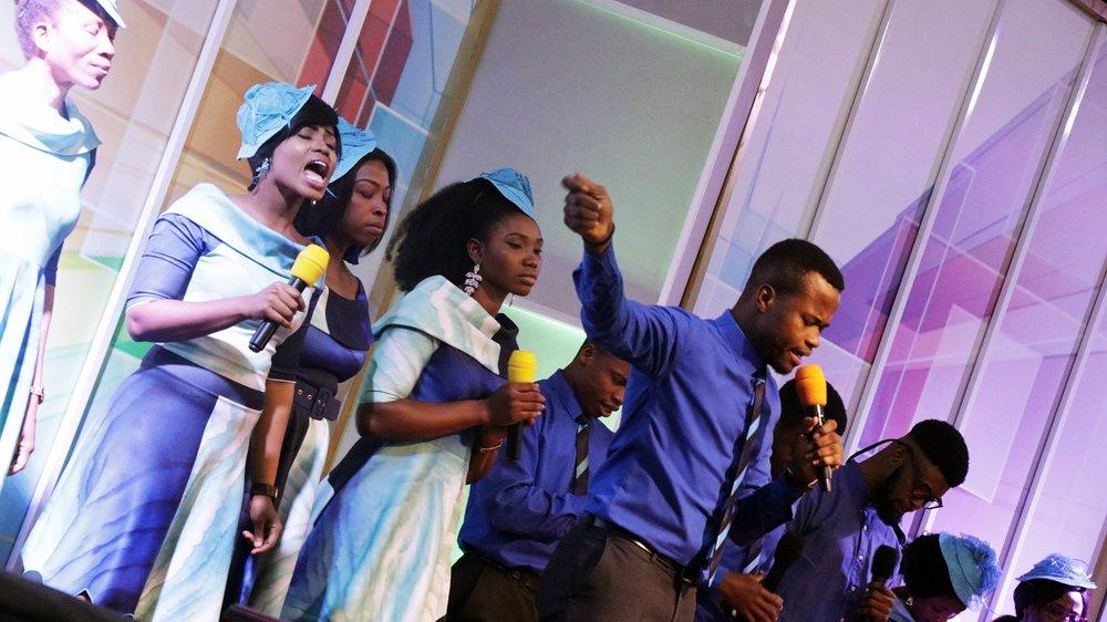 Stage Choir Ministration 5.JPG