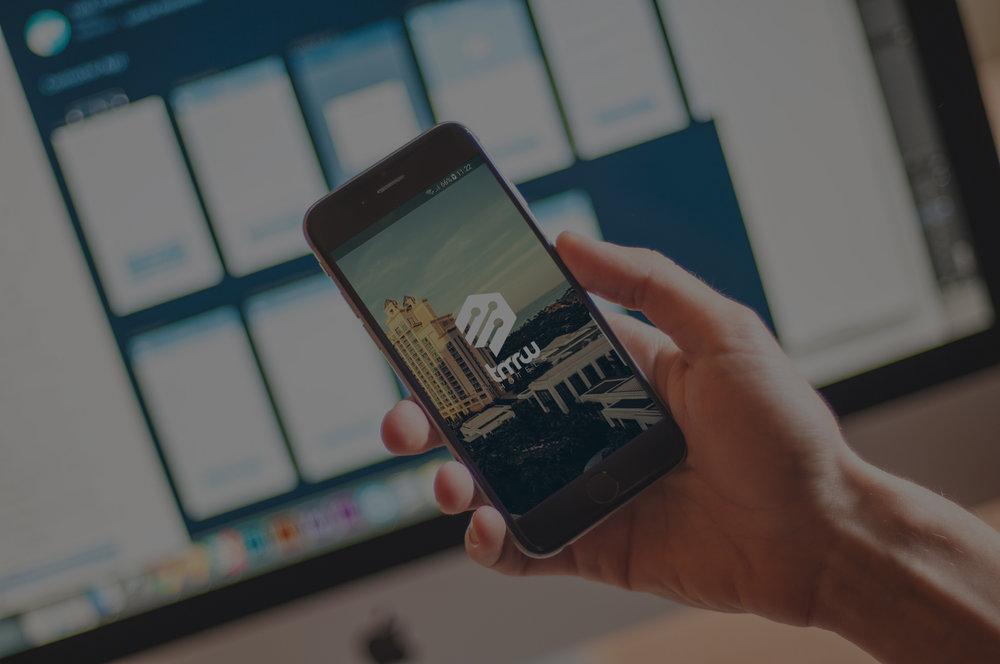 Töltsd le alkalmazásunkat - Keress, foglalj, fizess, csekkolj ki és be egyszerűen a mobilodról.