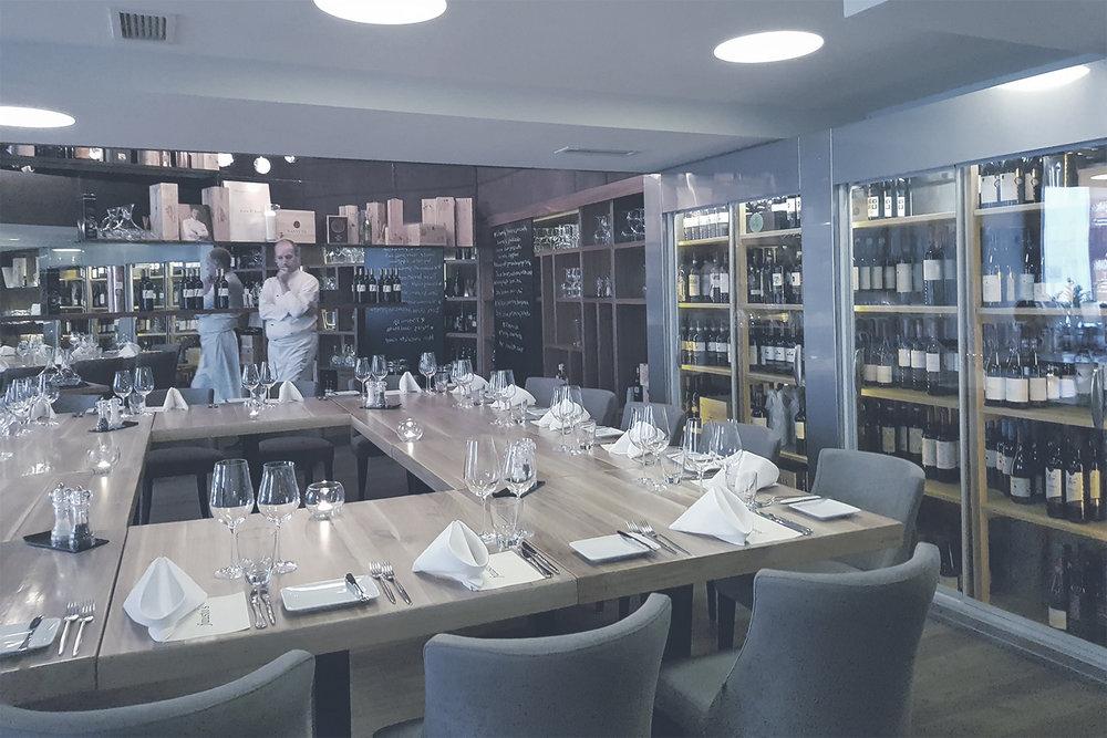 FAUSTO'S RISTORANTE  Klasszikus olasz ételek újszerűen elkészítve,a legjobb olasz és hazai alapanyagokból. Ebéd és vacsoraidőben várja a kopogószeműeket.    Térkép |  Honlap |  Facebook  | Árak: $$