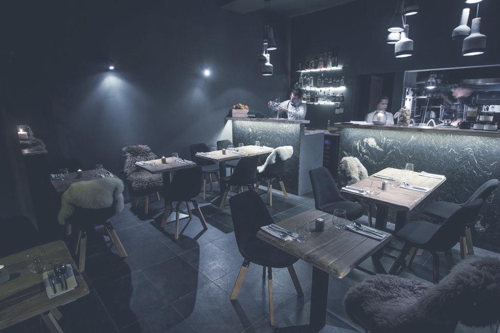 ESCA STUDIO RESTAURANT  Meghitt, 16 főre méretezett kis étterem a belváros szívében. Északi ételek, skandináv beltéri design.    Térkép  |  Honlap  |  Facebook  | Árak: $$$
