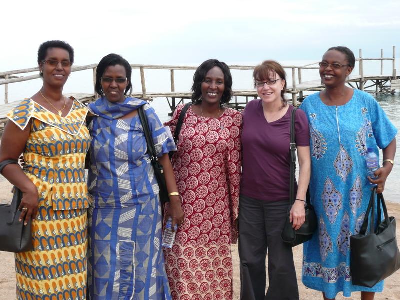 06-294 Bujumbura & Suzanne.jpg