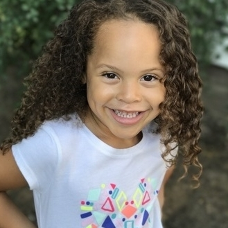 Alicia Lemon as YOUNG SANTANA