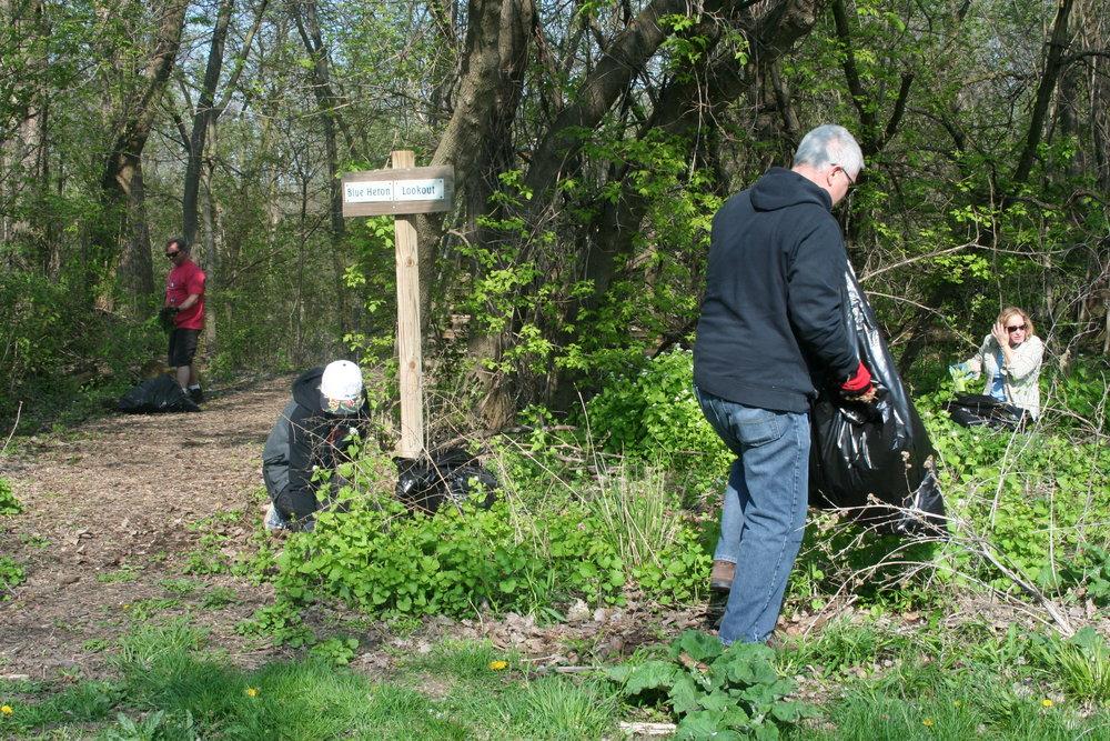 Nicholson StewDay_trail cleanup.JPG
