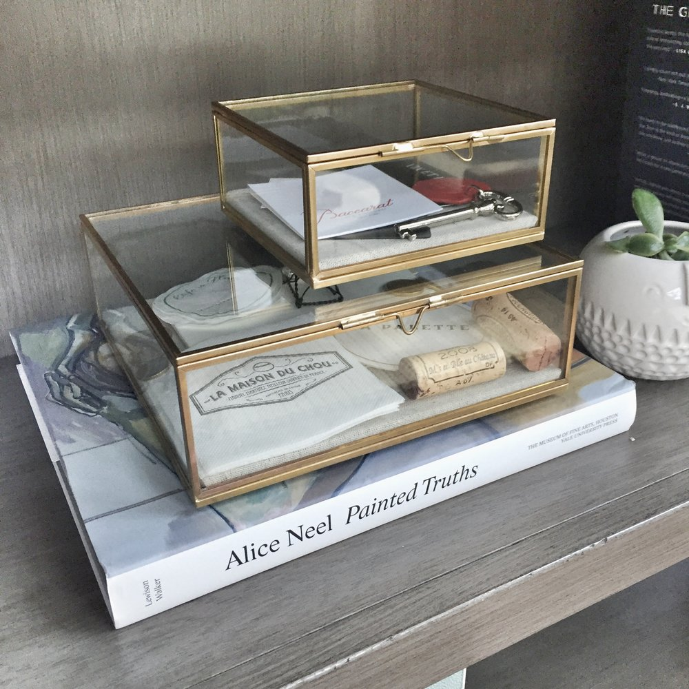 using-glass-display-boxes-to-show-off-your-keepsakes-three-studios-blog.jpg