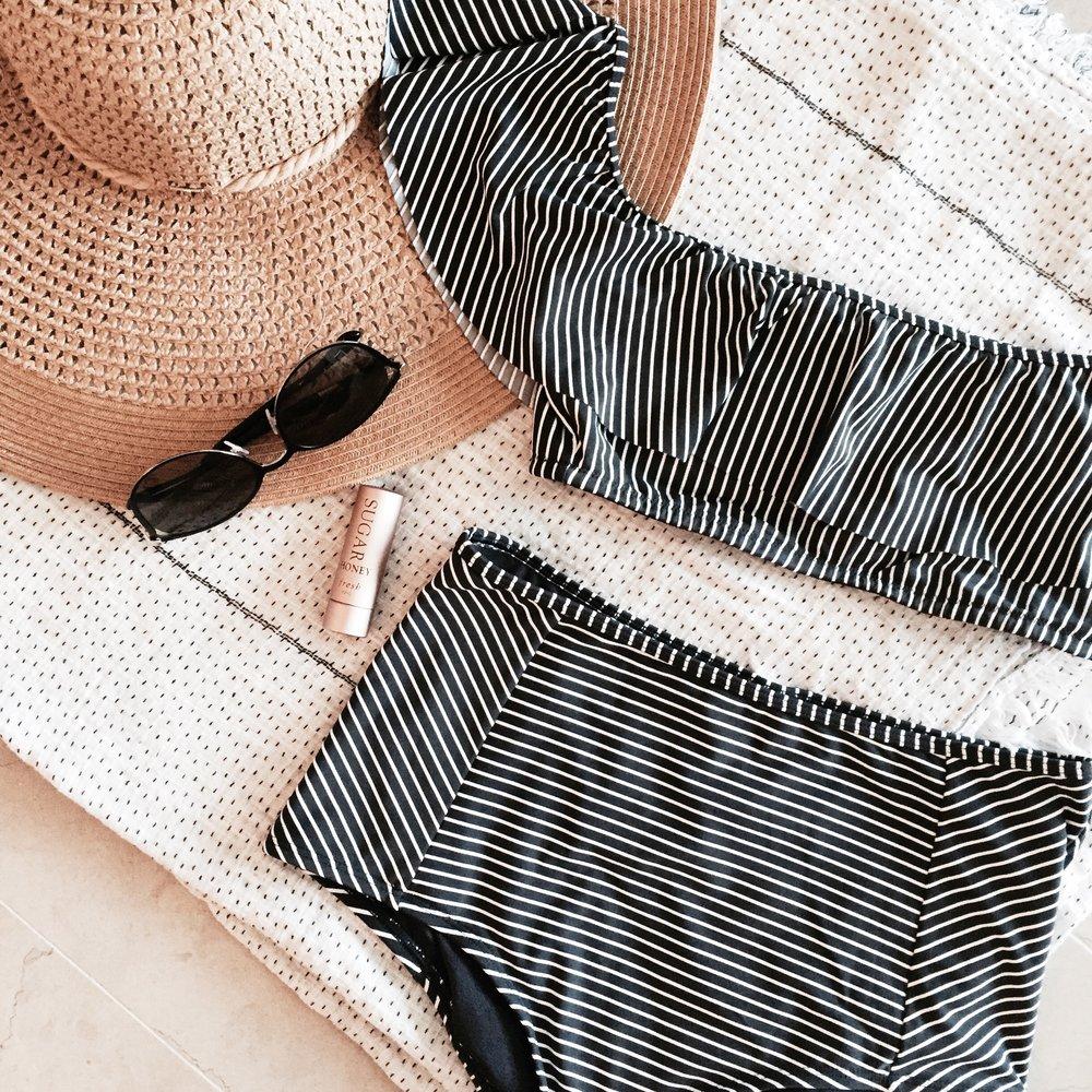 Beach-packing-essentials.jpg