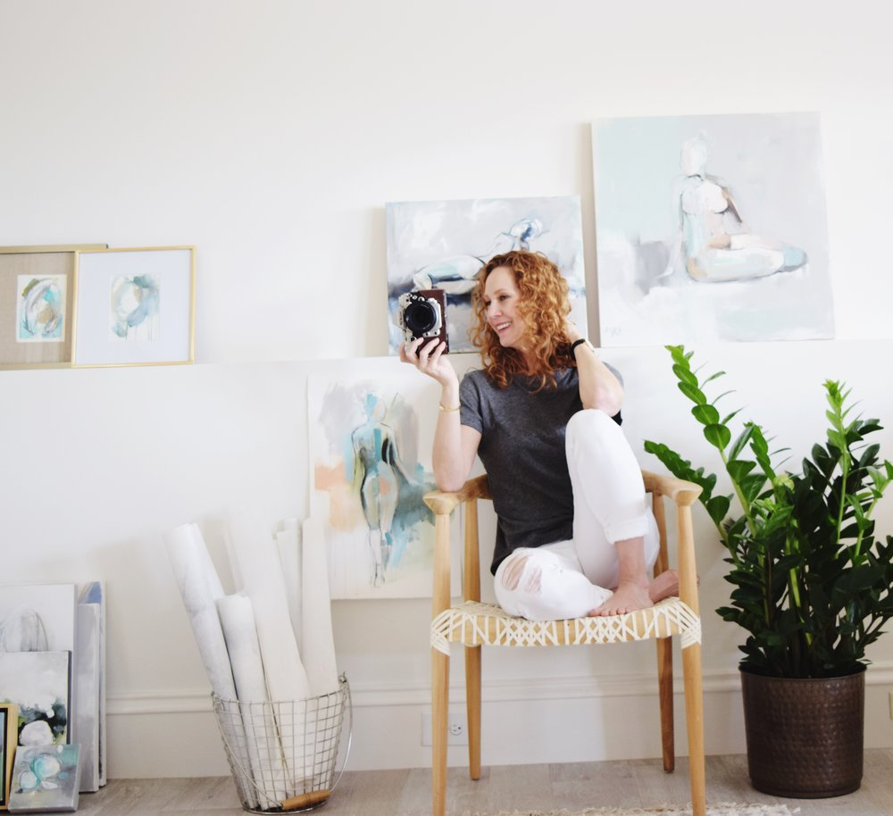 Welcome to Run Paint Dance, my space to share everything in and out of my studio! From my newest artworks and how they came to be, to interiors, tango, style, fitness, travel and more.