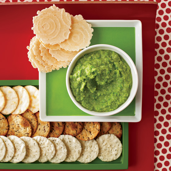 From brownies topped with crushed candy canes, to bright green sweet pea spread, here are seven festive snacks to enjoy while decorating the Christmas tree.