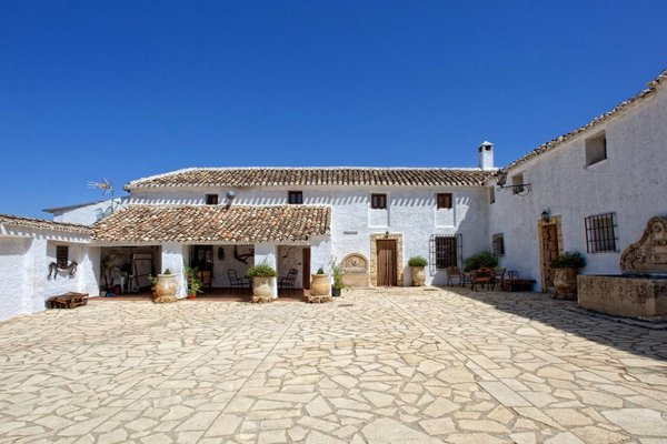 Airbnb - Rural Spanish Farmhouse