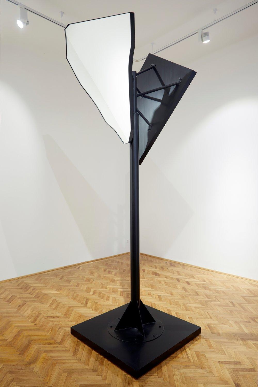 Guard 2017, metal, mirror 122 x 122 x 315 cm ed. of 3, 1/3