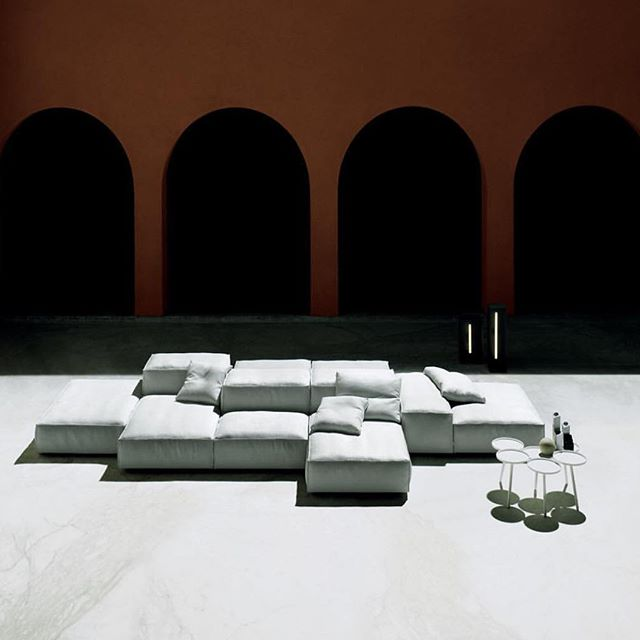 In preparation for Milan Design Week 2019, we celebrate the masters. Piero Lissoni's Extrasoft sofa... a unique selection of pieces with custom fabrics available at @graye_la #grayela #fuorisalone #iconicdesigns beautiful photo by @studio.tommaso.sartori