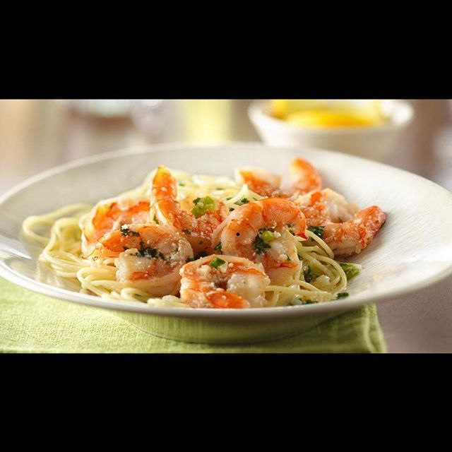 We hope to satisfy all of your cravings with our Shrimp Scampi - Linguini, white wine lemon sauce, parmesan, cherry tomatoes, scallion  #730tavern #foodlovers #shrimp #confortfood #craftbeer