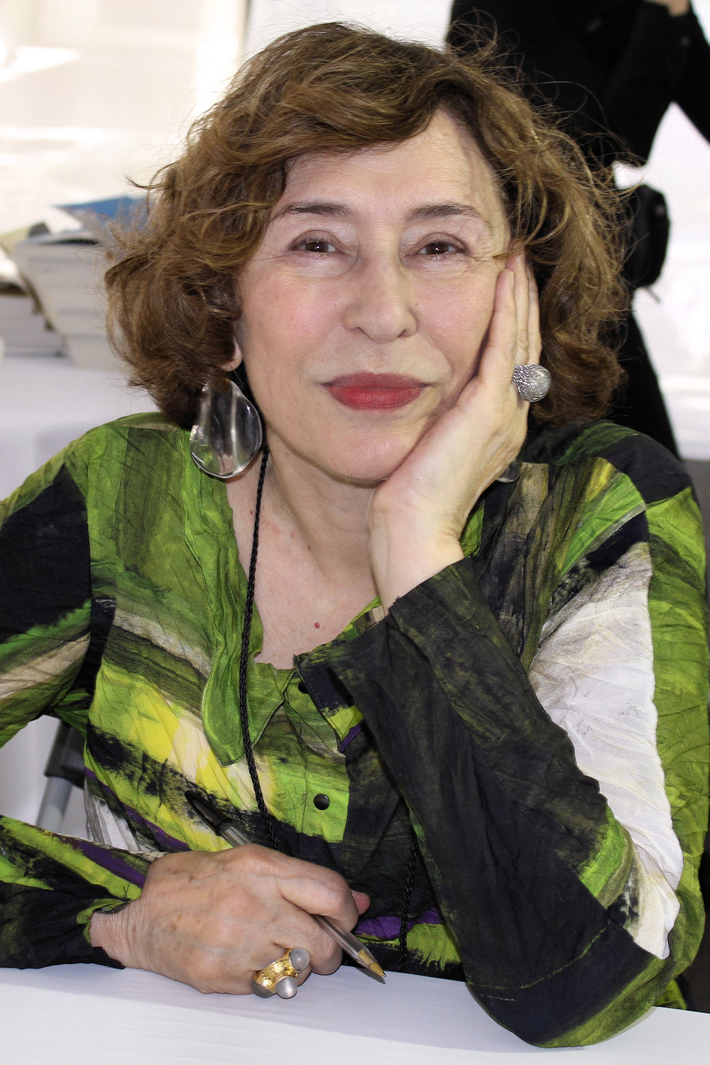 azar nafisi The latest tweets from azar nafisi (@azarnafisi) author of the national bestseller reading lolita in tehran and the republic of imagination: america in three books join the campaign using #bookssave dc/republic of imagination.