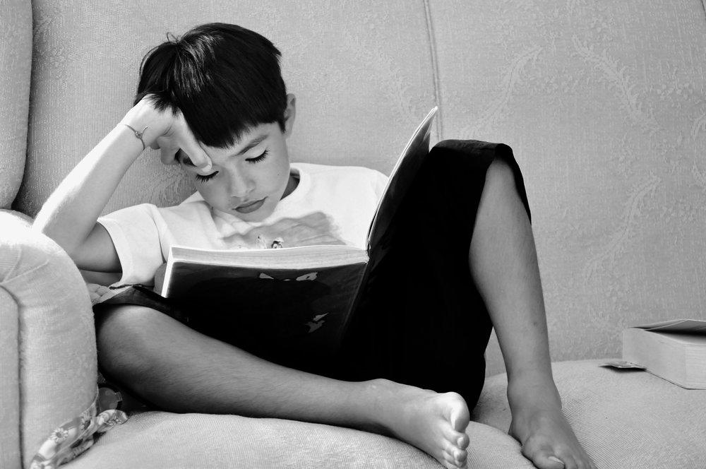 116 black-and-white-book-child-256548.jpg