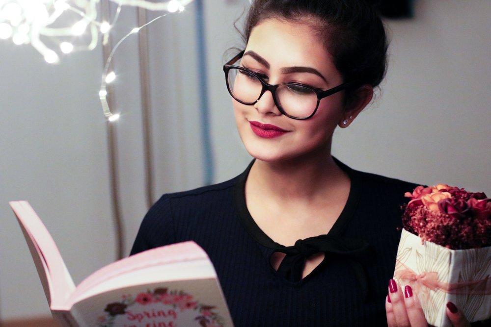 116 beautiful-beautiful-girl-book-864938.jpg