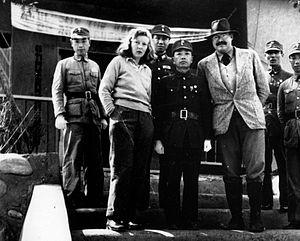 Gellhorn and Hemingway with General Yu Hanmou, Chongqing, China 1941 (public domain photo)