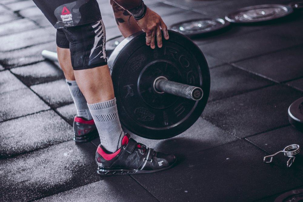 108 athlete-barbell-body-building-1092874.jpg