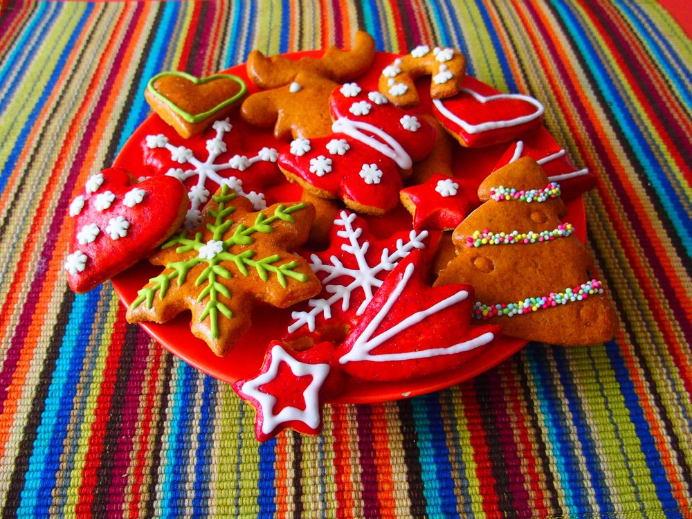 108 w1christmas-christmas-cookies-colorful-237280.jpg