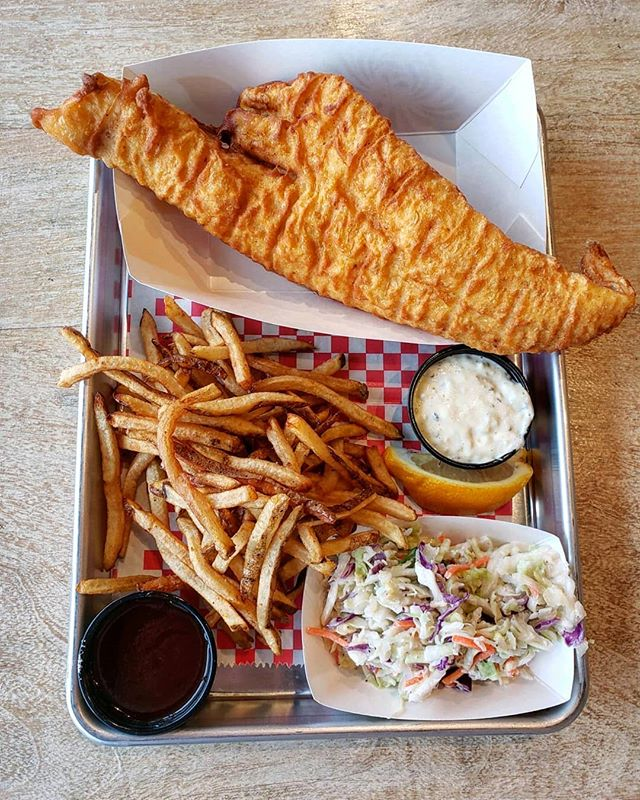 Friday Fish Fry done RIGHT  #victorny #roceats #eastviewmall