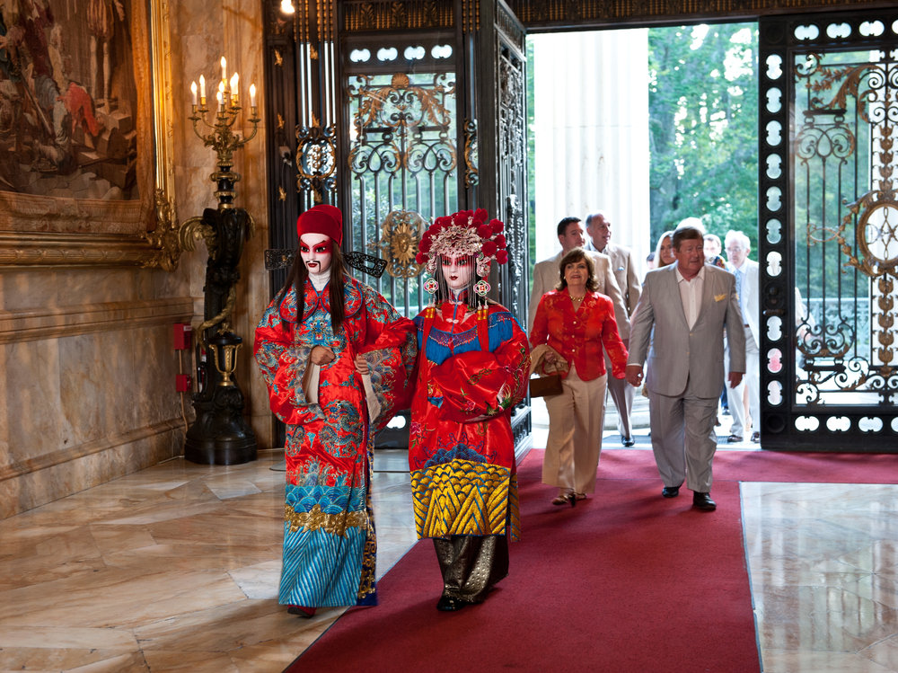 Escorting Guests into Marble House.jpg