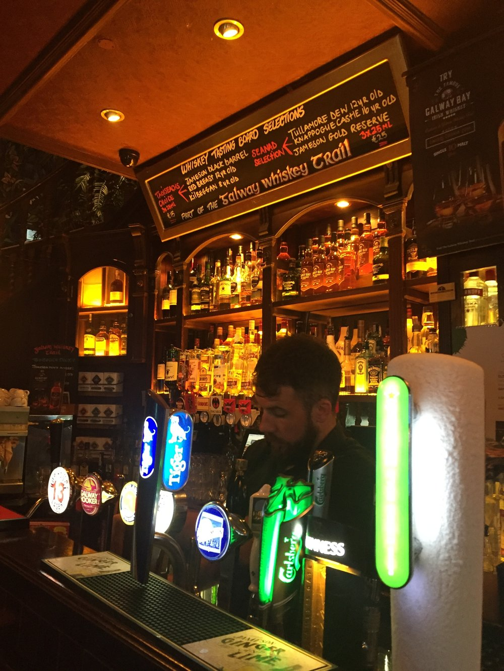 We had to stop for a whiskey at Galway's popular  Dáil Pub in the Latin Quarter before heading to our place.