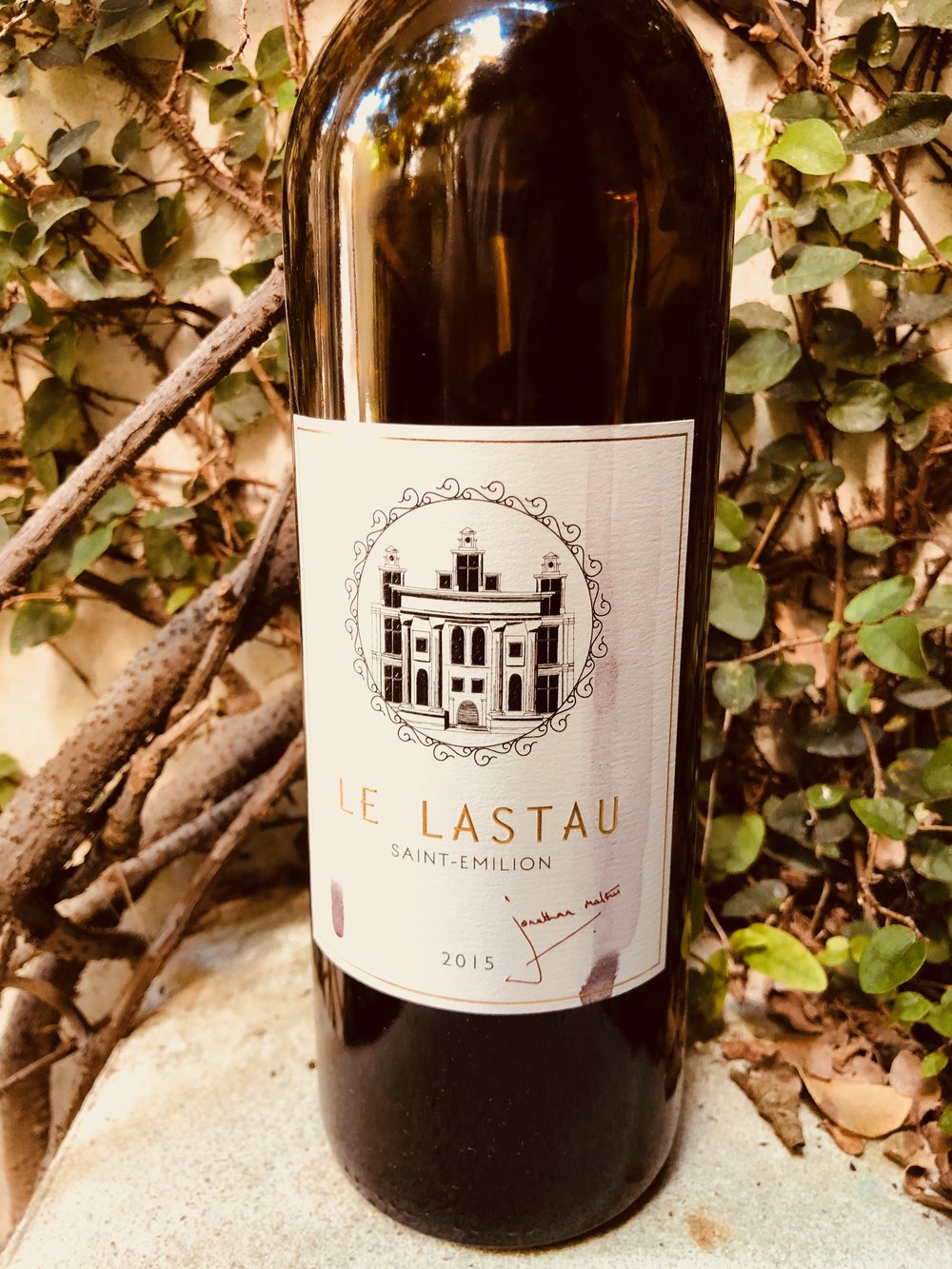 - Jonathan Maltus Le Lastau Saint-Emilion Bordeaux 2015 is a versatile and rich red blend (75% Merlot, 20% Cabernet Franc, 5% Cabernet Sauvignon).Wine the way red wine should be. Reminds us of why we like wine. We will order again.List $40 Angel Price $22
