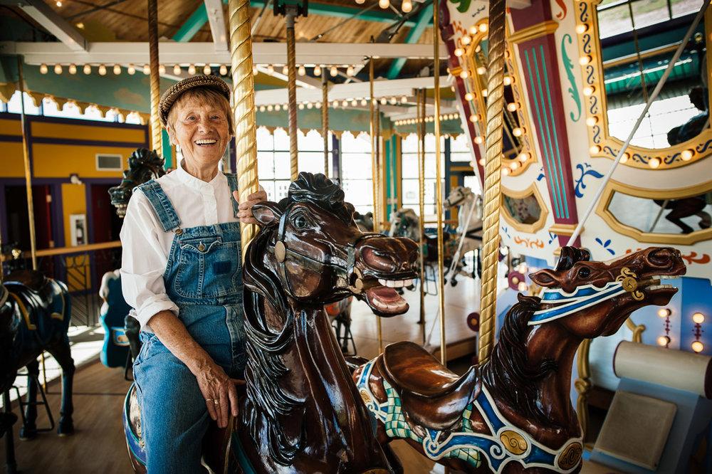 Jean-Senior-Lifestyle-Portrait-Story-Carousel.jpg