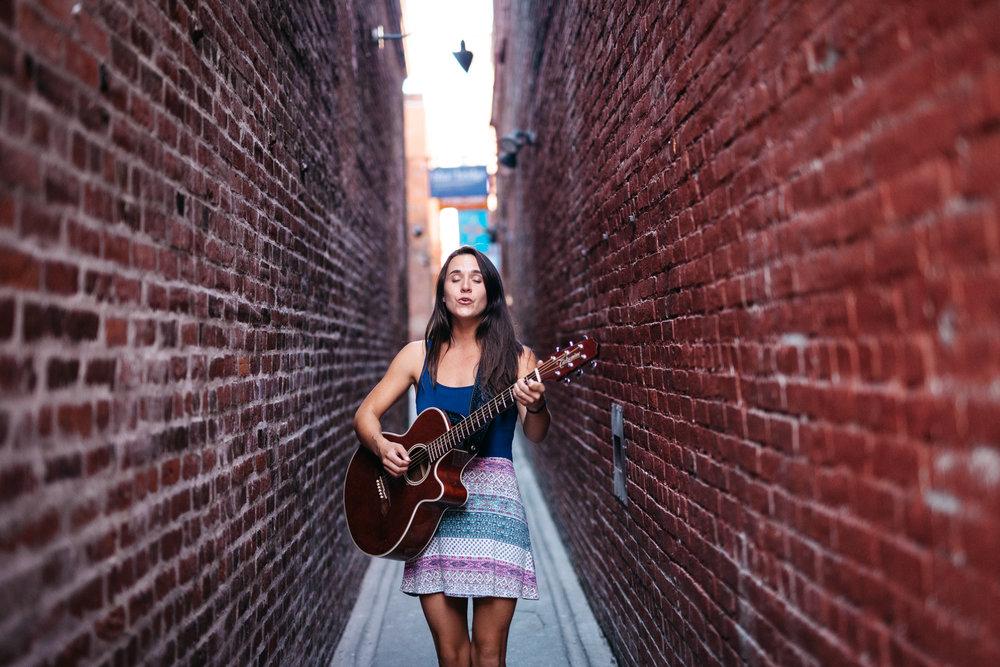 Alyssa-Gardner-Musician-Portrait-Photography-Edmonton-014-C5-20150827-_MG_3799.jpg