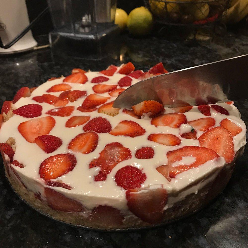 Strawberry_Shortcake_Mac_Nut_Butter_Cream.jpg