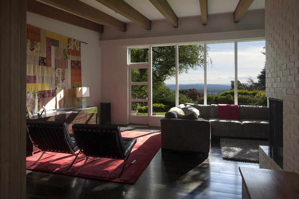 meschter livingroom.jpg