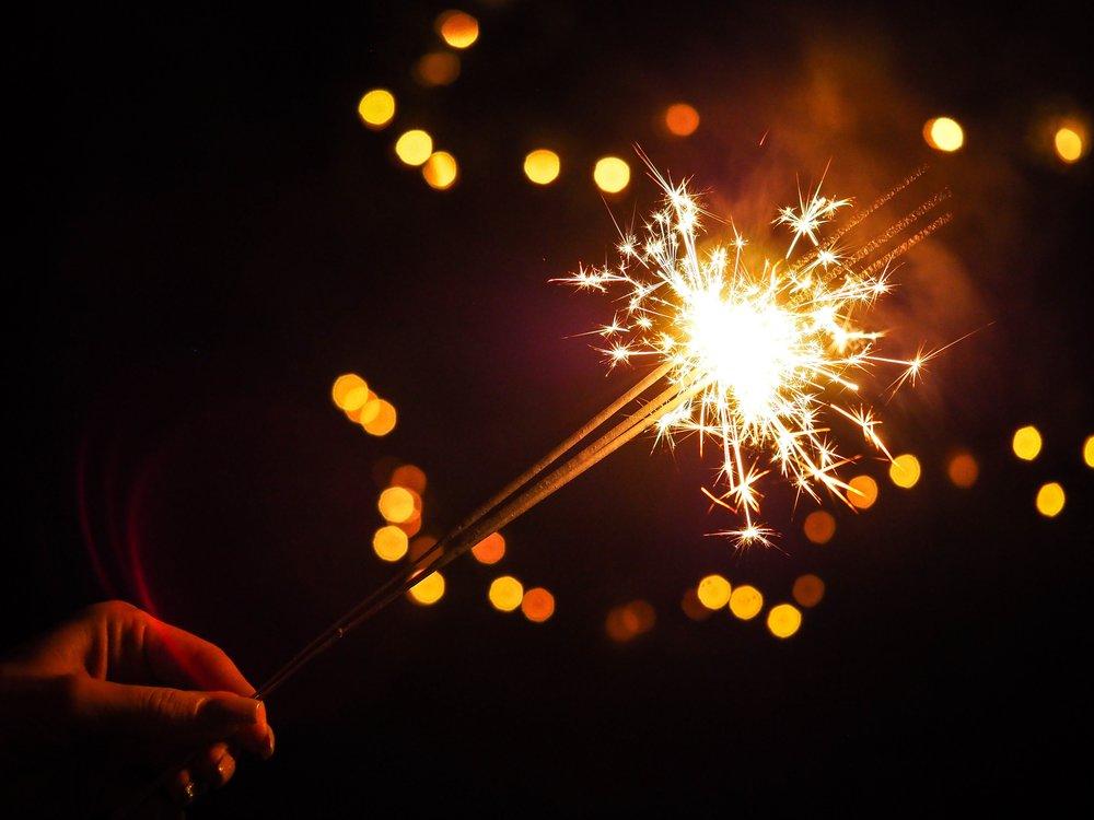 bright-burning-celebrate-288478.jpg
