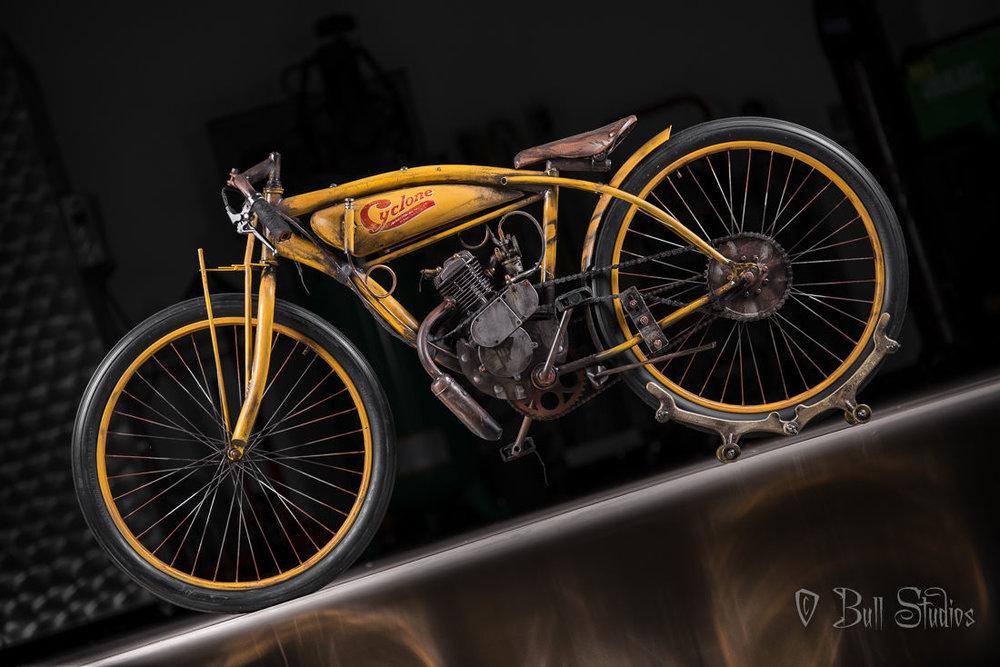 Cyclone Board Track Racer Tribute Bike