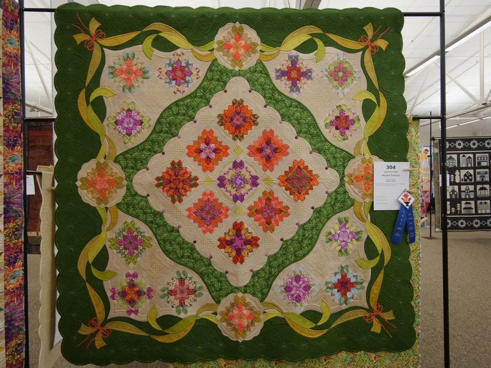 Bouquet Royale - 1st Place, Large Pieced Quilts