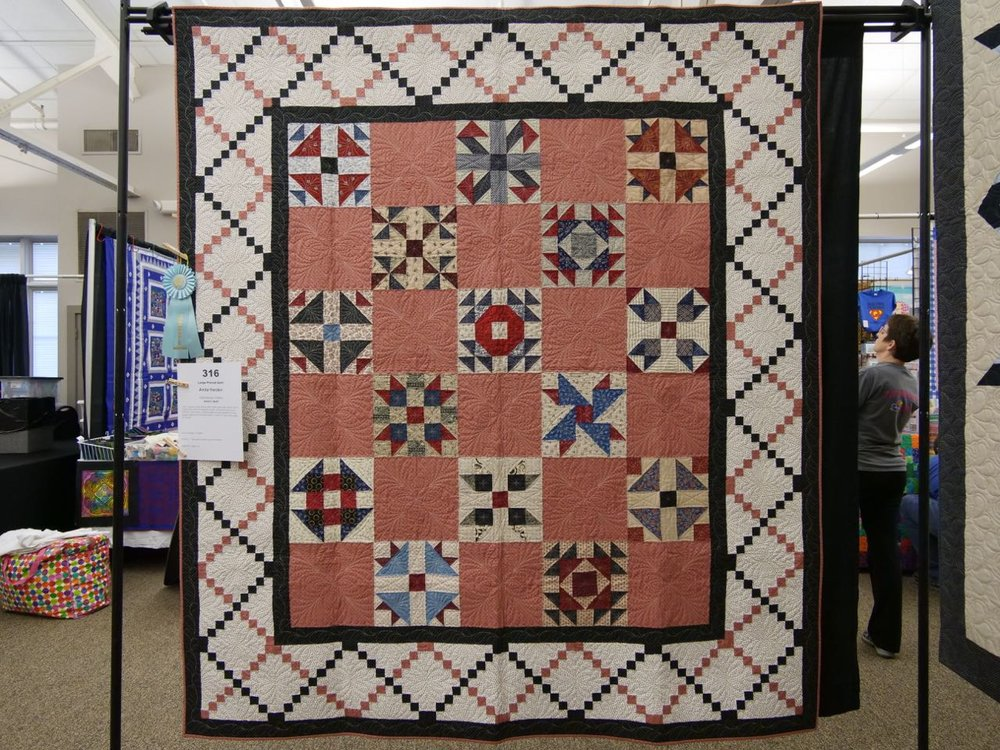 Anita's Quilt - Honorable Mention, Large Pieced Quilts