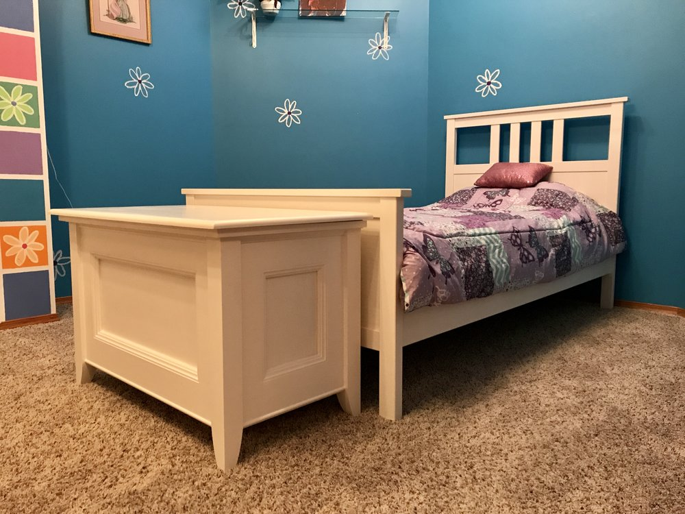 Blanket Chest Toy Box Corner with Bed
