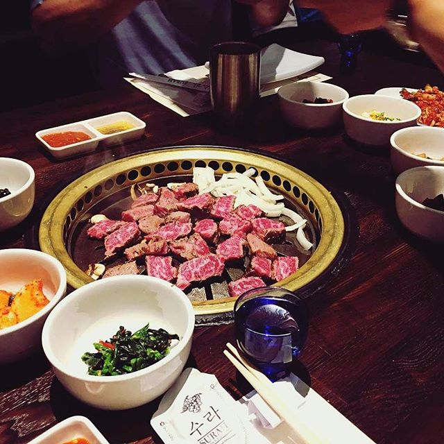 Our #prime #beef #KBBQ is in a class all by itself. Tell all your #carnivore friends! Awesome shot, @phatnam_swing 🔥 #surahkoreanbbq #surah #buenapark