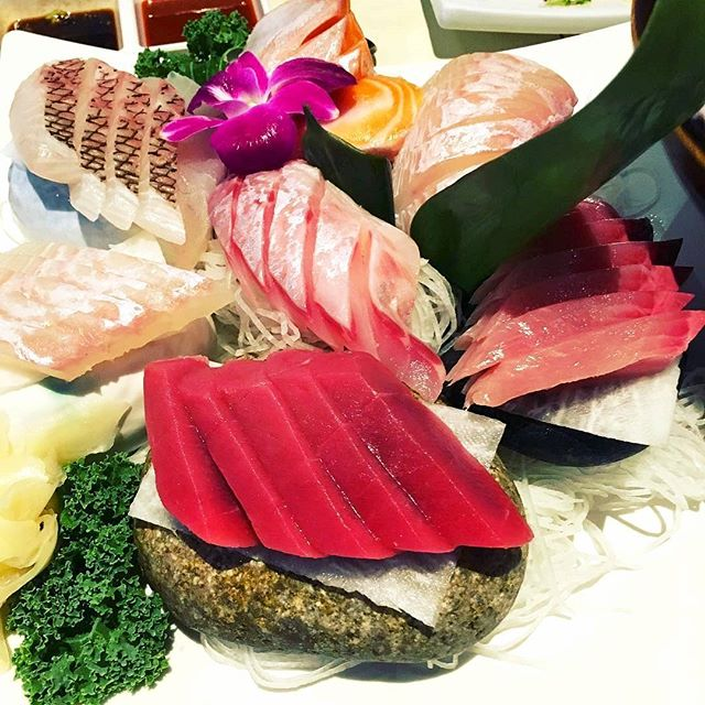 Enough succulent #sashimi for the whole fam... or not 😉 Beautiful shot, @yingxuyingxu 👌 #surahkoreanbbq #surah #🐟