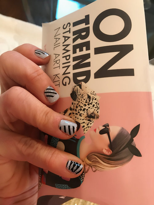 Daily dose of sparkle daily dose of sparkle do it yourself nail art stamping kit includes all you need and is simple do it yourself my first try was stamping my 6 year old cousins nails solutioingenieria Image collections
