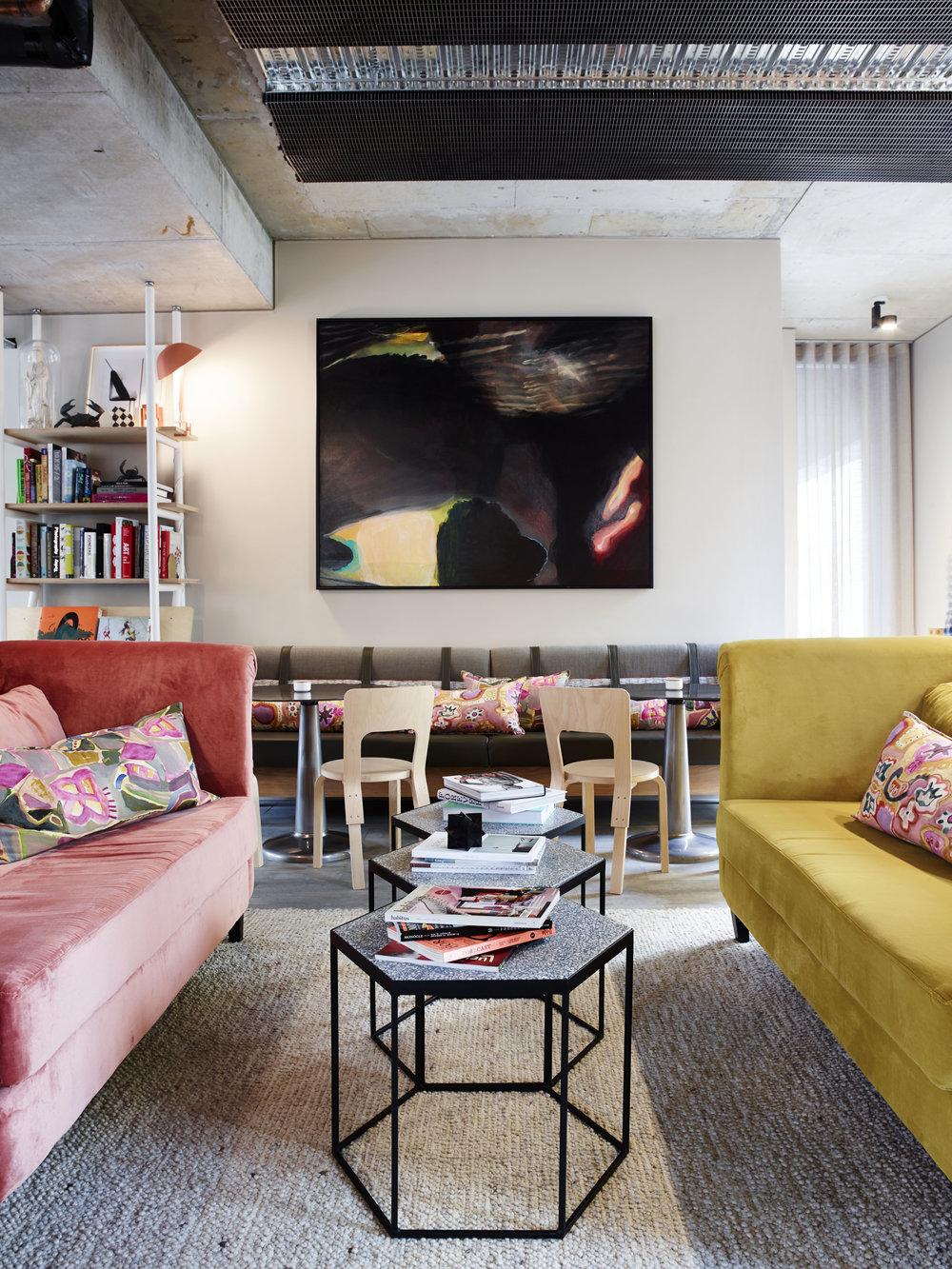 Mezzanine_Level_Alex_Hotel_250515_79464.jpg