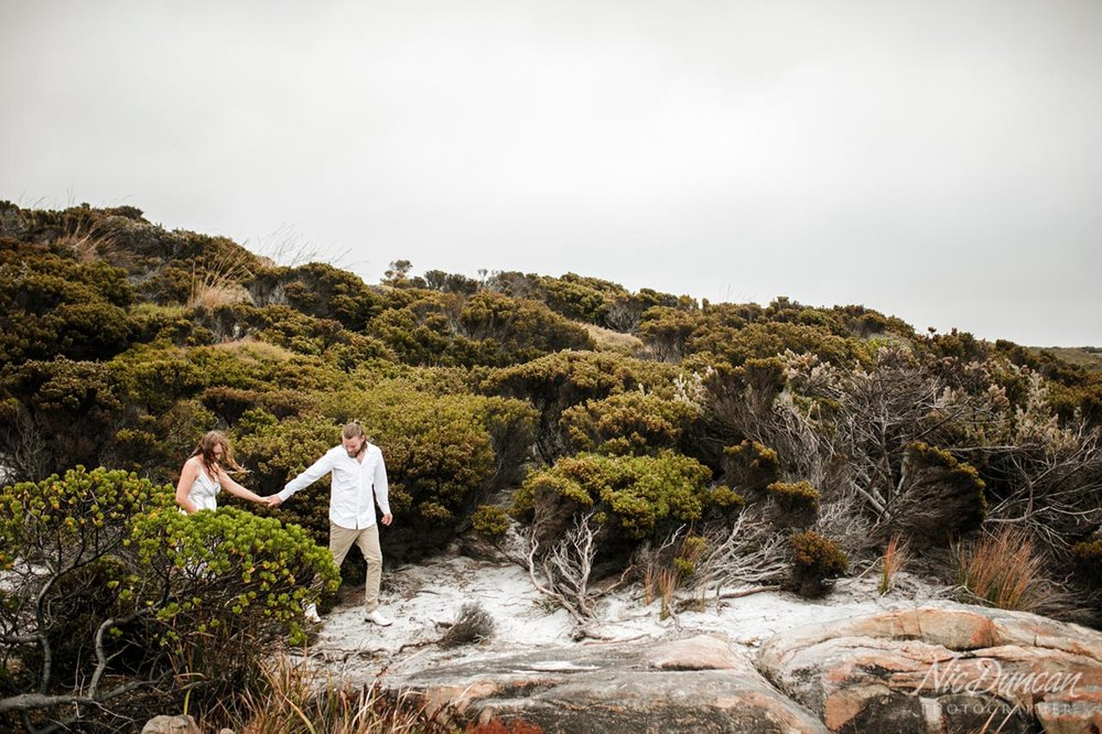 Couple portraits at Two Peoples Bay in Albany