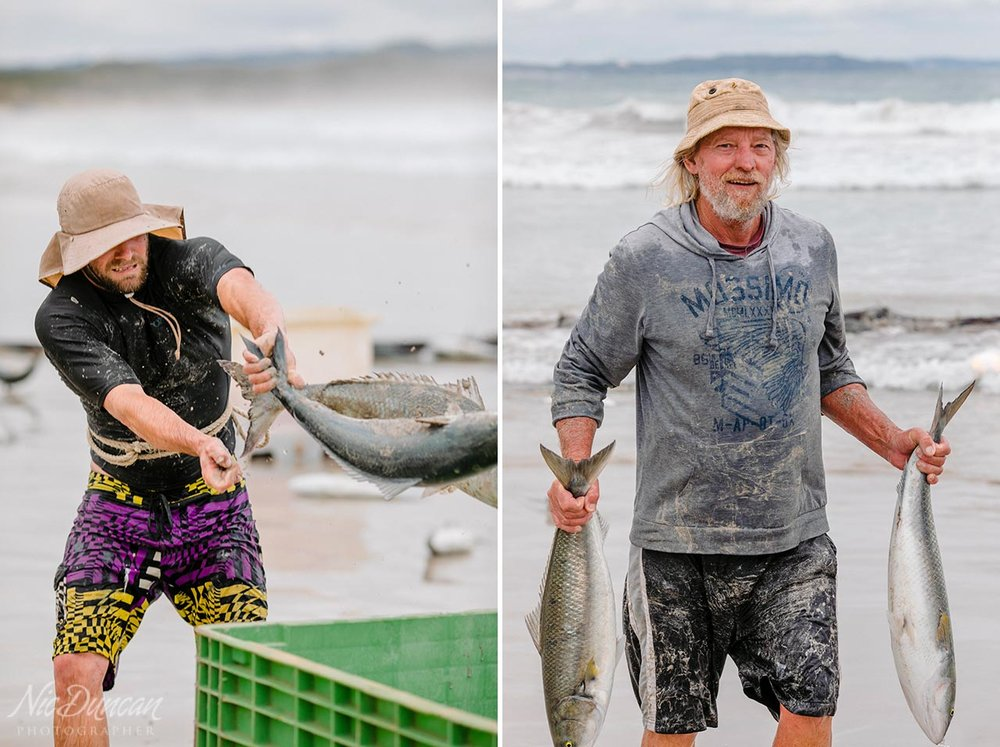 Passers-by get involved with the team of salmon fishermen