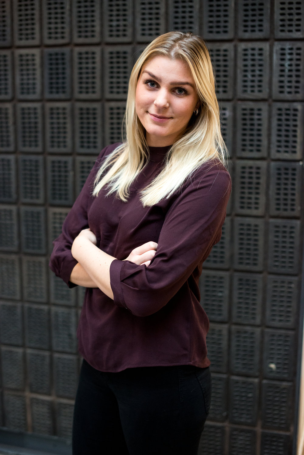 EMMA LINDGREN   HR Assistant   MAIL      LINKEDIN