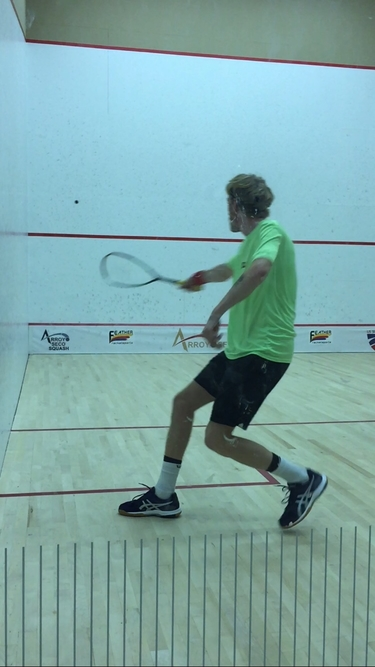 Tom Williams in his match versus Piercarlo Valdesolo