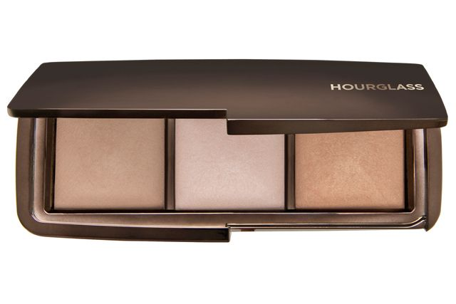 The HOURGLASS Ambient Lighting Palette aka a block of gold, guard it with your life.