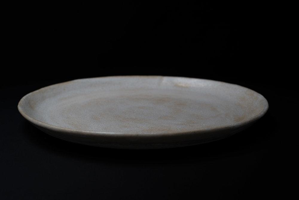 Large Plate - Glaze: whiteMaterials: ClayØ 28cm | Ø 11
