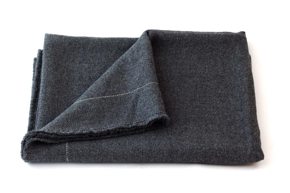 A4   Tabby Blanket - Color: Dark Grey AlpacaMaterials: Alpaca140 x 210 cm / 55,12 x 82,68 inHand Crafted in Segovia, Spain