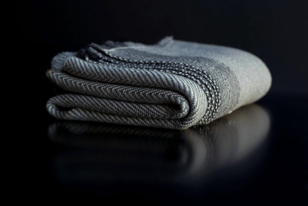 A6  Twill Blanket - Color: Undyed Baby AlpacaMaterials: Baby Alpaca193cm x 203cm   76