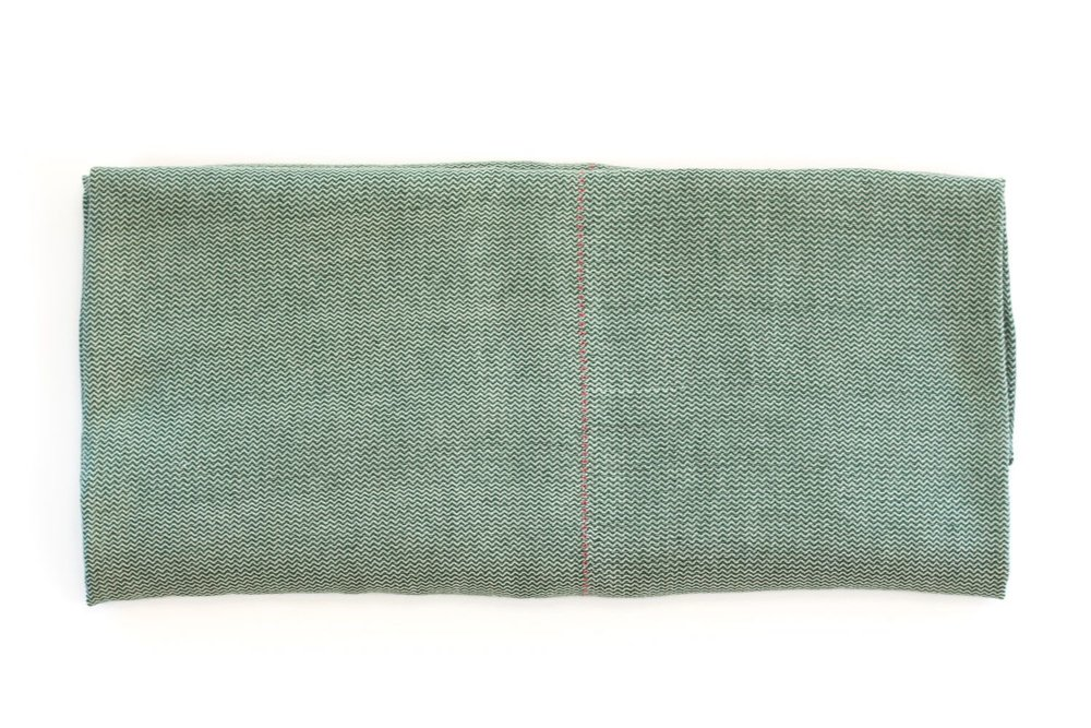 A4 | Linen - Color: Green linen / Lino verdeMaterials: 100% Linen300 x 170 cm / 118,11 x 66,93 inHand Crafted in Segovia, Spain