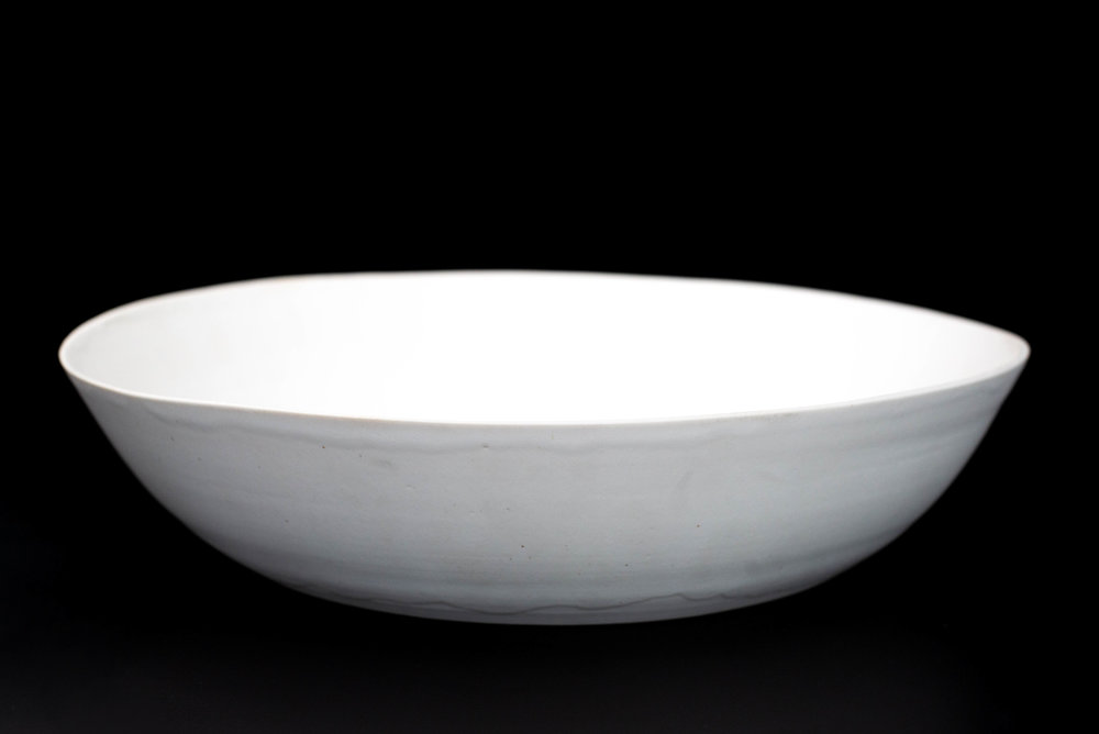 N7|NESTED BOWL - Glaze: Satin light whiteMaterials: PorcelainØ 41.5cm x 9cm | Ø 16.33
